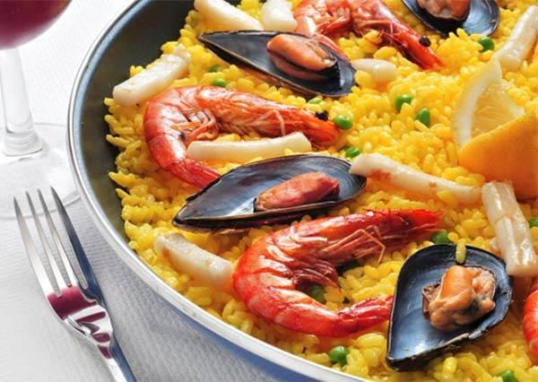 說到海鮮燉飯,你會想到哪一國?全球10道經典傳統料理,你都吃過了嗎!