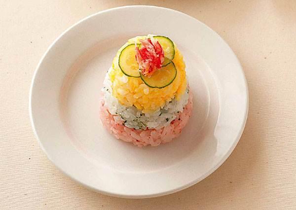 放下手中海苔! 初學者想做出美美der壽司,最佳幫手竟然是布丁杯?