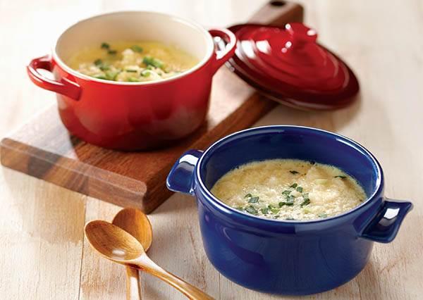 10分鐘懶人早餐一鍋搞定! 打蛋、開火就能等著吃的「米飯蒸蛋」幫你爭取賴床時間~