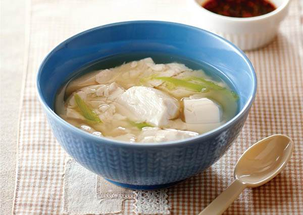 夏天想煮碗湯其實不用熱到飆汗! 懶人版《清甜豆腐湯》簡單做,大口吃也不用怕發胖