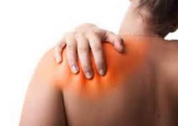 肩頸酸痛貼撒隆巴斯也沒用? 教你「網球按摩法」,只要這樣做,整個人變輕鬆