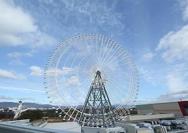 大阪全新地標最新GET!日本第一高的「透明地板摩天輪」,竄紅本月首選夜景打卡地點