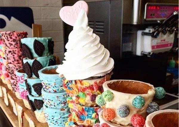 【韓國超夢幻的甜筒冰淇淋店 , 一定要收集起來的名單】~去這家店應該會不由自主一球接著一球地吃吧~~