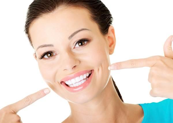 猶豫要不要做美白牙齒?其實用這幾個簡單小秘訣,也能做到美白牙齒的功效喔!