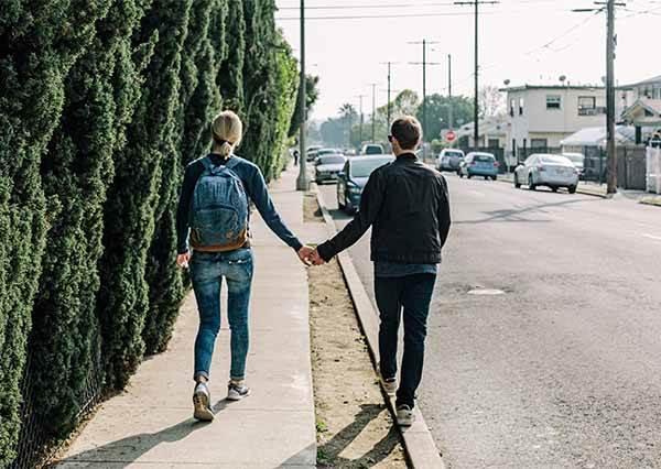 【塔羅占卜】你和他會成為朋友變情人嗎?