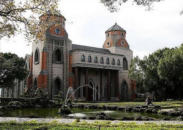 美到像置身歐洲 專程來拍照都值得的台灣教堂top5!