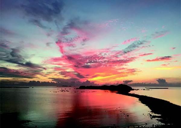 不只是藍眼淚而已! 來澎湖選對時間還能看到「摩西分海」般奇景