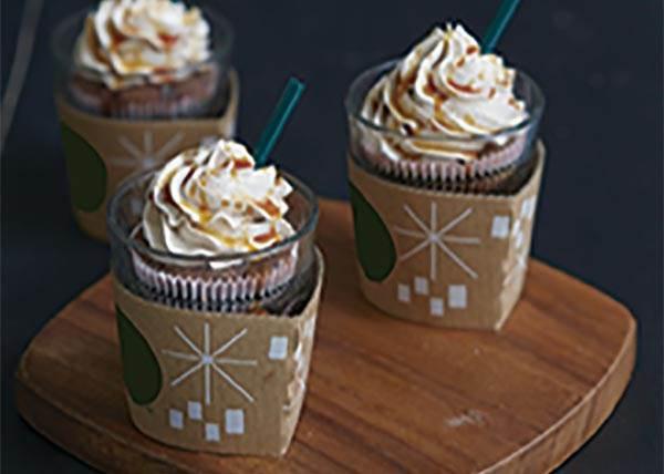 包裝這樣會不會太可愛? 《焦糖瑪奇朵杯子蛋糕》,特製一個屬於飲料控自己的杯子蛋糕!