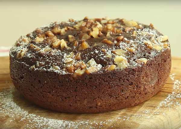 2個步驟輕鬆用「電鍋」做出零技巧但超美味的經典甜點《巧克力布朗尼》!