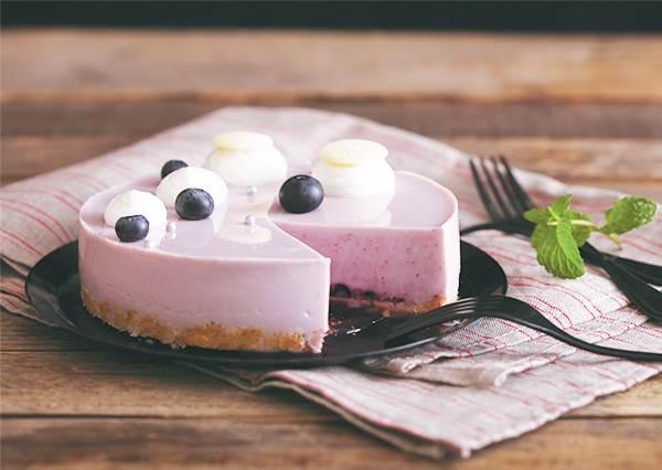 豆漿也能做蛋糕? 自製《藍莓慕斯塔》不只顏值100分,低脂做法更是減肥嘴饞的好幫手!