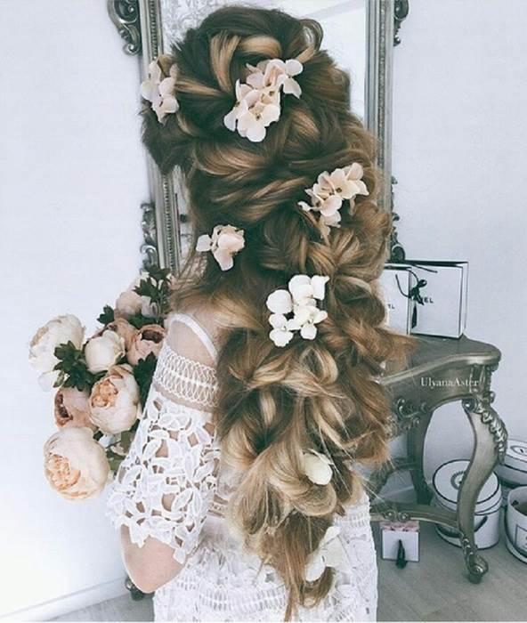 讓花朵直接攀上髮絲 化身浪漫花仙子