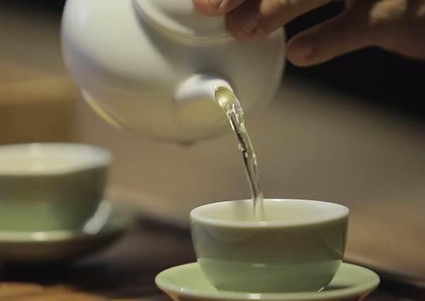 上班悶嗎?來杯茶順順心吧!一打開就像現泡一樣好喝
