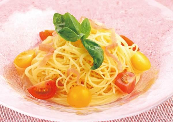 5步驟拌出無油版《番茄義大利冷麵》,美味、簡單、吃不胖!