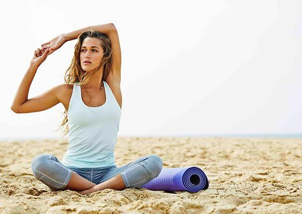 躺在棉被裡做能做!想好好睡覺時,做這4個動作就能舒服地入眠?