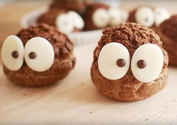 泡芙原來可以這麼可愛,教你幾個步驟自製超萌「小煤炭巧克力泡芙」!