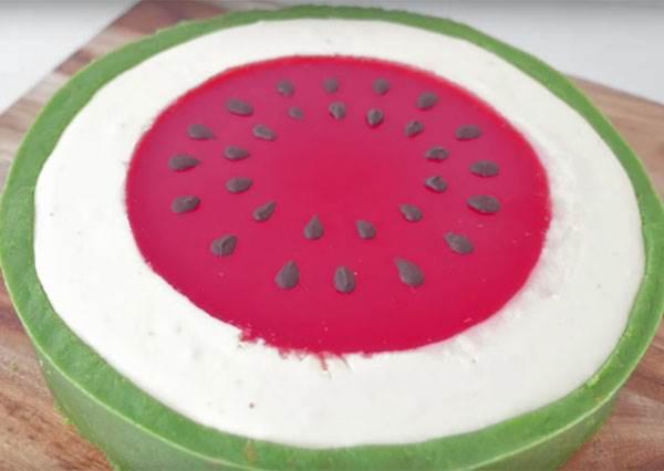 超人氣免烤版《西瓜起司蛋糕》,夏天就連甜點也要做成西瓜樣才最對味!?