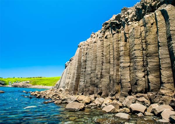 《離島必逛TOP5假掰景點》不用跑遠,就有分海美照可以拍!