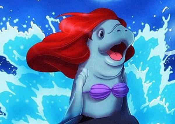本尊看到怎麼想?小海牛完成迪士尼公主夢,竟連小美人魚的貝殼內衣都穿的下!?