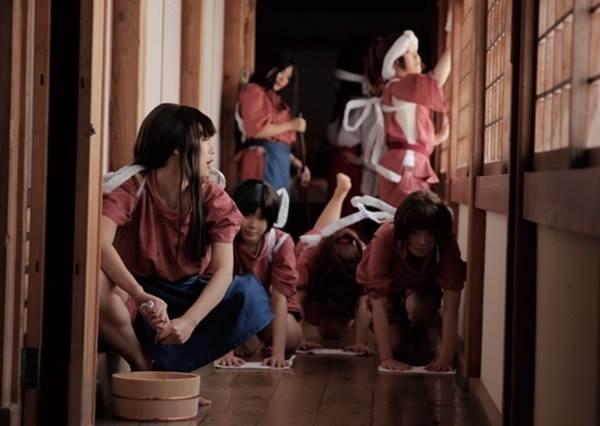 因為太熱愛吉卜力動畫,日本達人100%神還原劇照,實現宮崎駿的夢幻國度