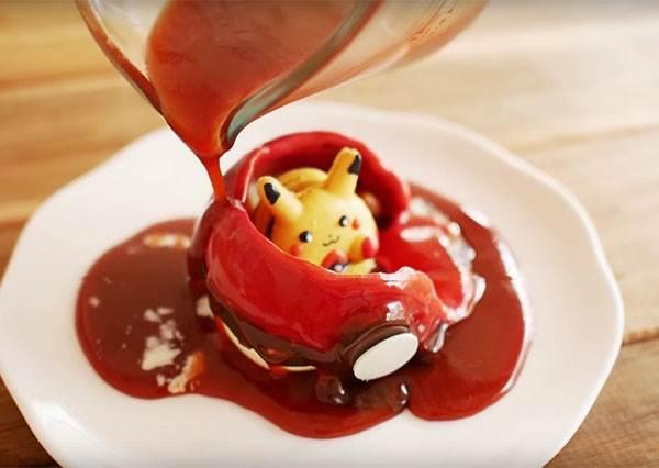 玩不到《Pokemon Go》沒關係! 神人示範如何用靠甜點DIY來收服神奇寶貝