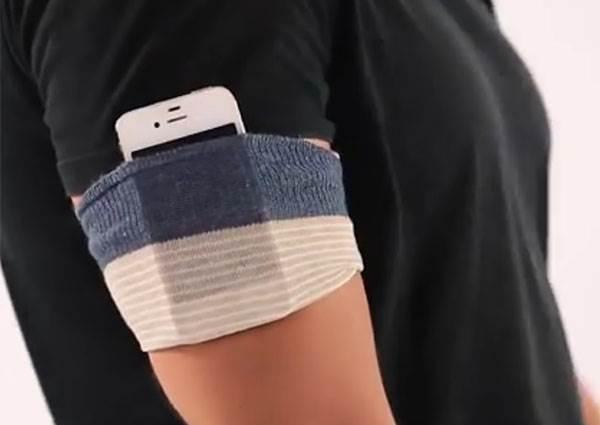 運動時,手機沒地方放? 「一隻襪子剪一刀」,不必再拿到手痠!