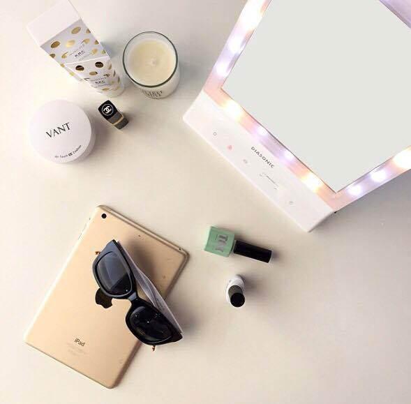 LED來勢洶洶 女孩必敗的LED化妝精品