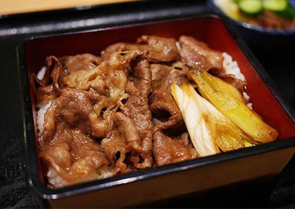 日本羽田機場3大限定人氣美食!搭到這班班機更幸運,還能吃到熱騰騰的隱藏版套餐
