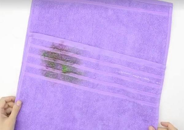 不用的舊毛巾別急著丟垃圾桶! 這網友用五分鐘讓它變媽媽每天都會用到的打掃新歡~