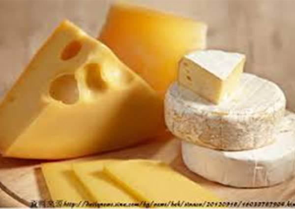 連打發都不用? 奶油乳酪不必買,鮮奶+檸檬汁就能自己輕鬆DIY!