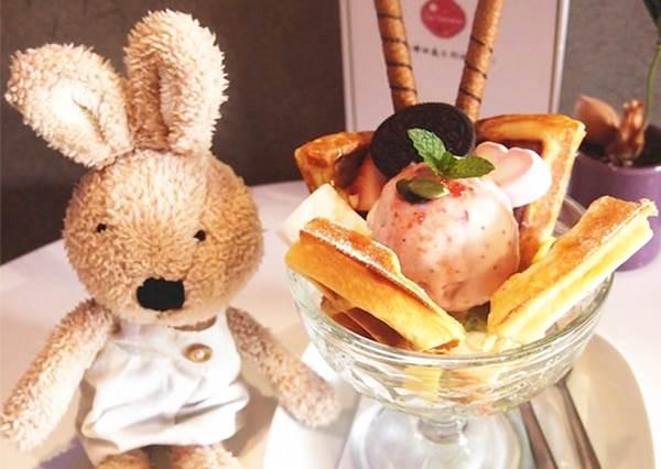 【hey wow 來個自拍吧~那就到台中這家又好拍又好吃的粉紅夢幻冰淇淋店!】 來到這裡真的會陷入…很難離開啊~!