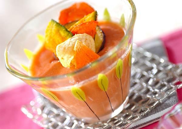最適合減肥吃!2步驟輕鬆完成「蔬菜牛奶布丁」,健康又能解嘴饞!