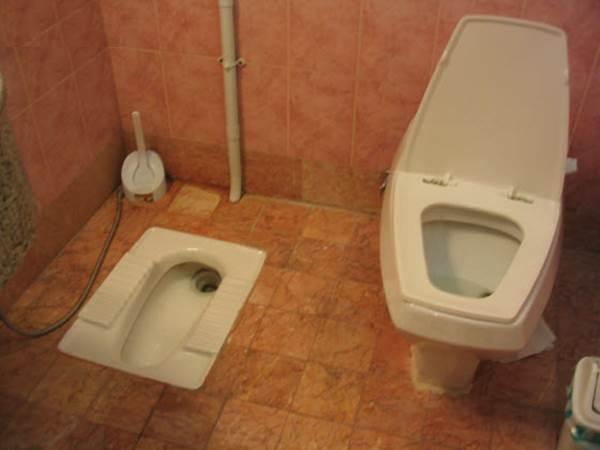 怕髒改用蹲著上廁所、礦泉水比自來水乾淨? 6種自以為的好習慣可能反而傷身體!