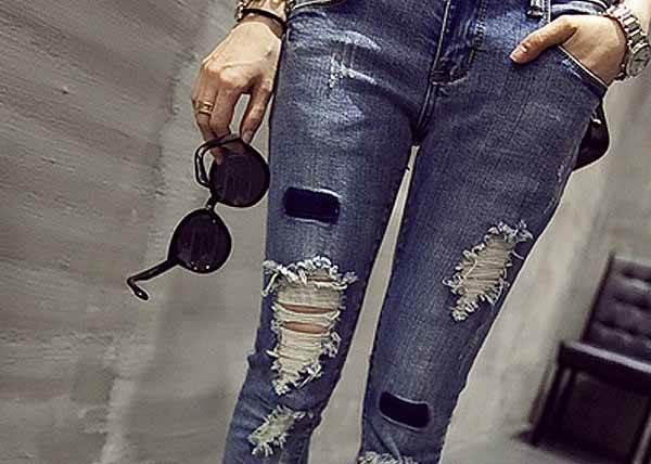 只是剪開來還不夠!DIY今夏最IN破褲超簡單,2步驟讓舊牛仔褲帥氣變身