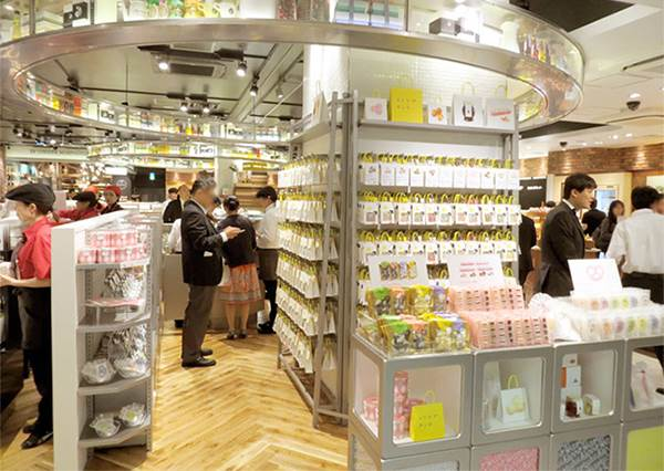 《東京3大人氣糖果專賣店》唇蜜管裝的糖蜜竟然還能泡茶喝!