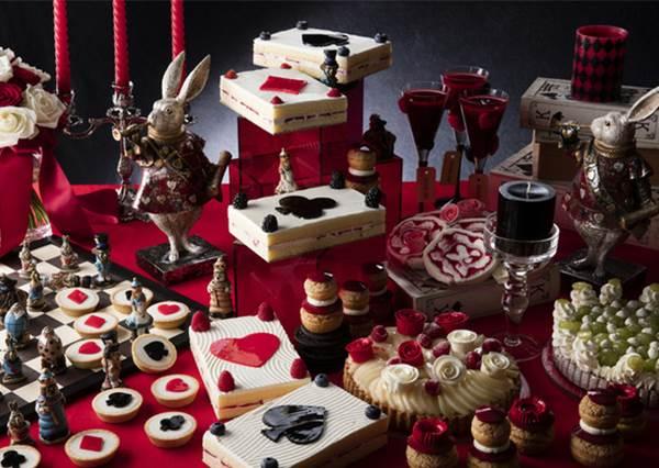 愛麗絲的甜點自助吧!象徵紅心皇后口頭禪「給我砍掉他的頭顱!」的甜點竟然是這道?