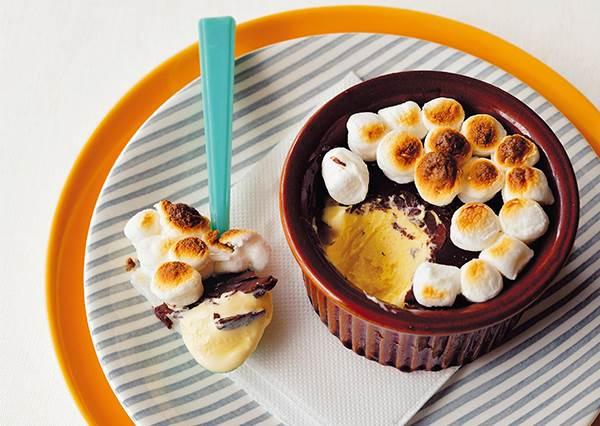 超簡單懶人甜點!只要「3樣食材」就能做出紐約話題甜點「火烤冰磚」