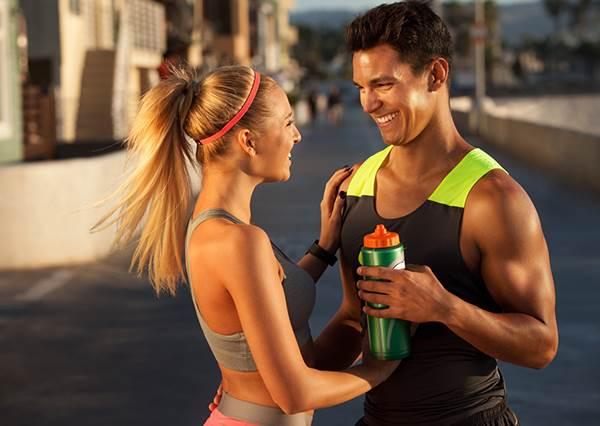小心運動都白做了? 一瓶運動飲料,熱量等於半個漢堡!