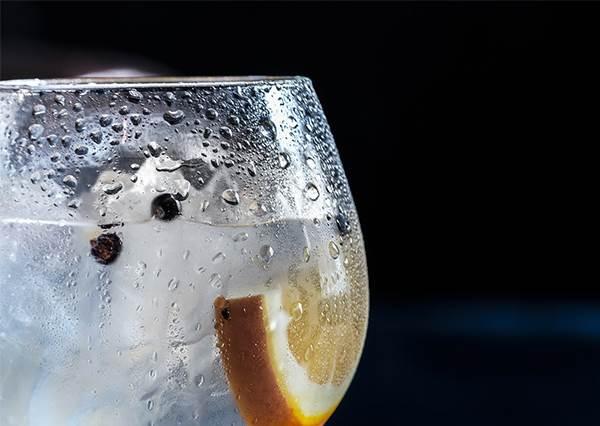 飲料加多少冰塊才夠冰又不會被稀釋? 科學驗證過的黃金比例告訴你!