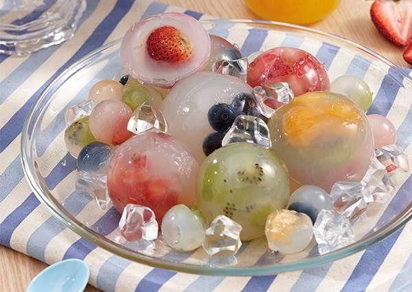 簡單到跟煮開水一樣? 超夢幻「冰涼水晶球」其實是零失敗甜點!