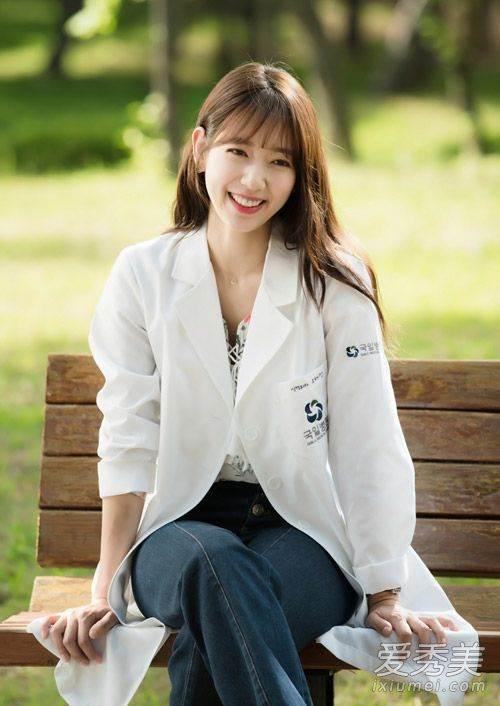 從學生妹到專業外科醫生 6大心機打造《DOCTORS》朴信惠妝髪造型