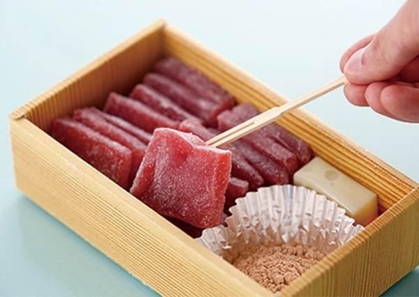 【博多新名產「あまび」草莓甜點---超大人氣的伴手禮 !】它不是生牛肉也不是生魚片, 不要再誤會它了!
