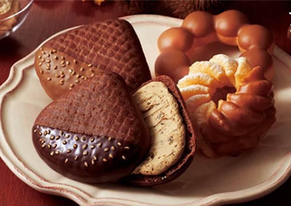 大頭版的史努比也太呆萌!日本推出萬聖節限定甜甜圈,竟然還有可愛的小毛毯可以拿?