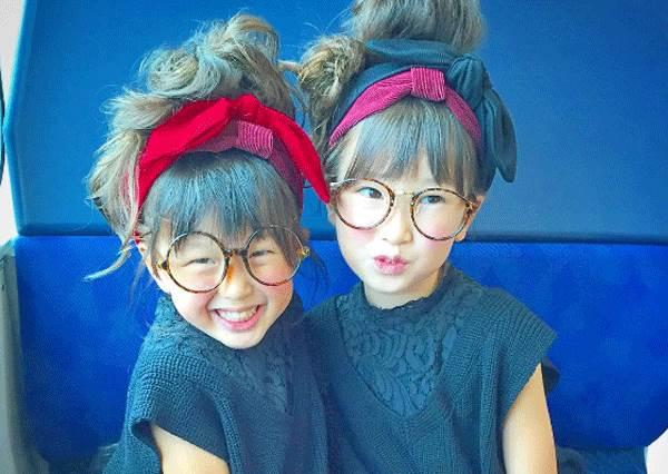 媽媽的顏值果然有被遺傳到!超萌偽雙胞胎穿搭日記,就像一家有三姊妹一樣有愛