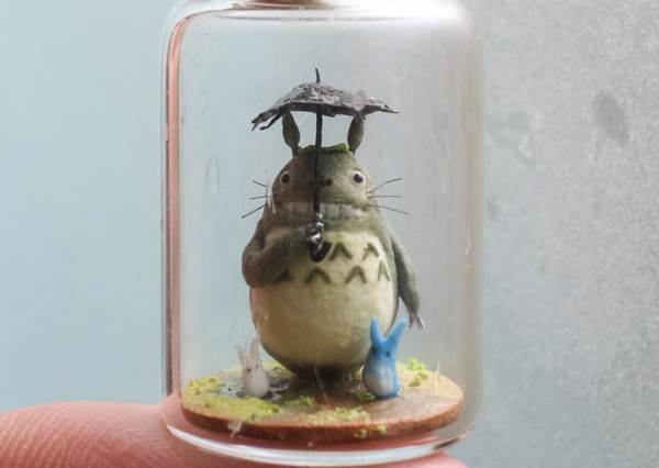 連胖胖的龍貓也裝得進瓶子裡!超不可思議的「瓶裝美景」,連卡通場景也能精細呈現