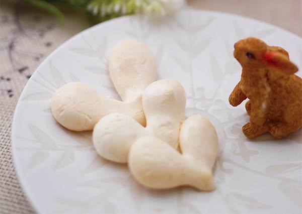 鹹鹹甜甜含在嘴裡更好吃!動手簡單作「海鹽白霜餅乾」,裝一袋送人超有心意啊❤
