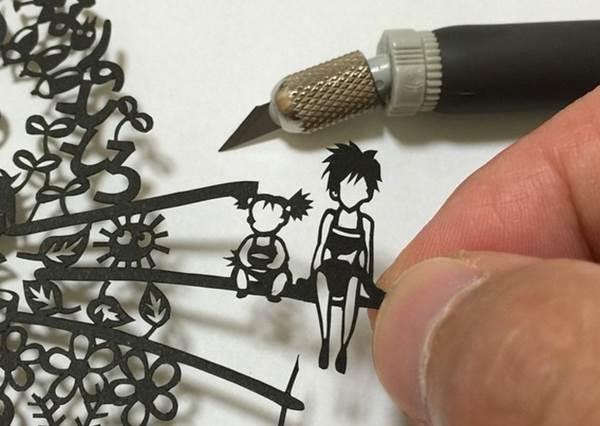 這宮崎駿角色集合圖竟然都是用刻出來的?超神「細膩紙雕」,尤其第4張草壁姐妹細部圖太強了