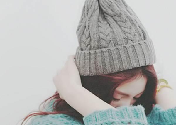 戴一般的毛線帽就能有顯瘦的效果?!日妞教你秋冬必學的戴帽穿搭,原來除了保暖還有這些優點