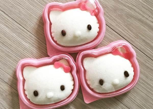 年糕版的kitty貓誰會不想吃?盤點各種凱蒂貓美食,連蛋塔都無違合融入!