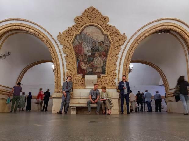 藝術殿堂:莫斯科地鐵站最夢幻的地鐵站就在這!每幾年就重新裝潢一次,尤其2016年最美啊?