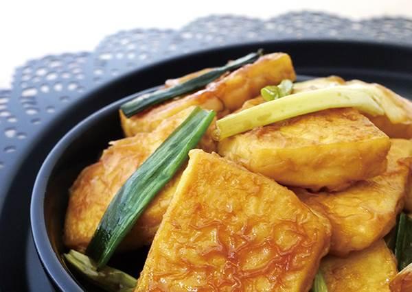 豆腐不夠入味,你一定是少做這步驟!5步驟一次學會「蔥燒豆腐&韓式辣燉豆腐」